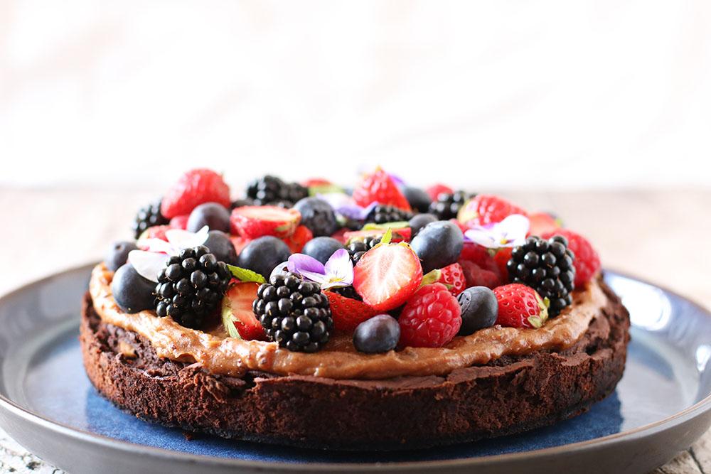 sund brownie på bønner med peanutbutter topping