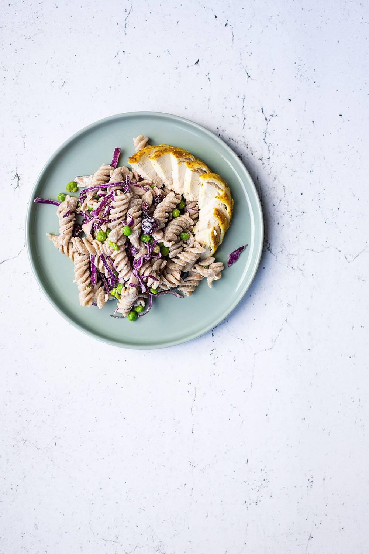 Nem og lækker opskrift på pastasalat med kylling