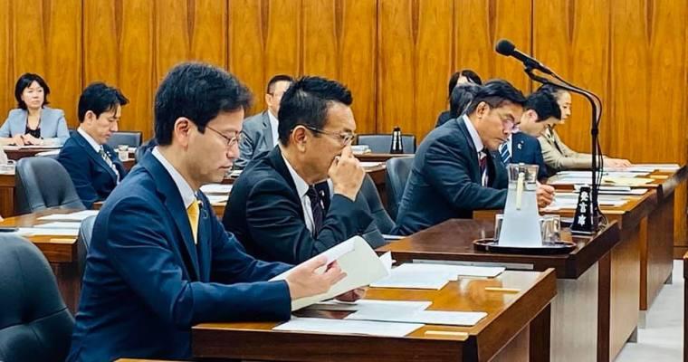 文部科学大臣、東京オリンピックパラリンピック担当大臣、副大臣、大臣政務官から所信を聴取