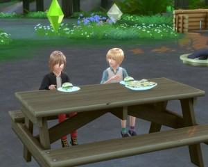 起きたら、子ども達が仲良くハンバーガー食ってました。<br /> ほほえましい。・・・だけどそれ昨日の残りですよ?大丈夫?