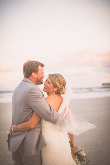 Kelsey&BlakeBride+Groom_KiKiCreates-013