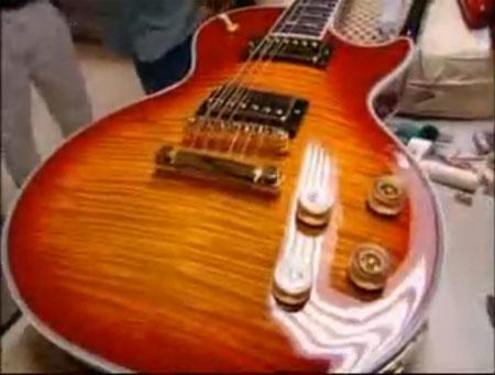 Fender Stratocaster e Gibson Les Paul – o projeto da guitarra e a produção industrial (5/6)