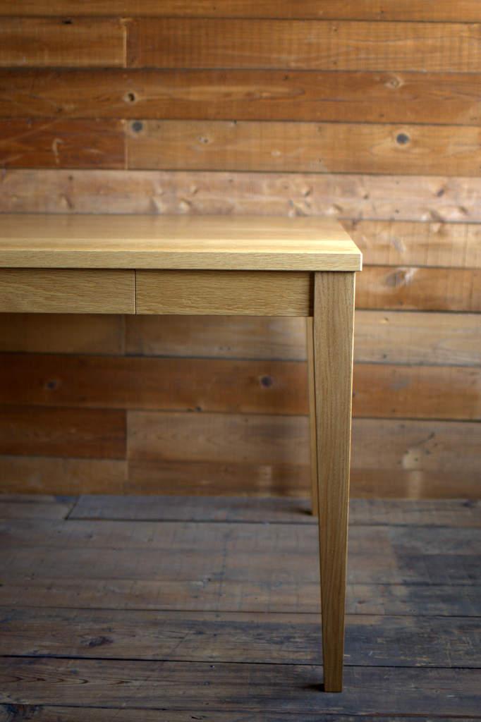ナラ無垢ダイニングテーブル(w1800引き出し付き)
