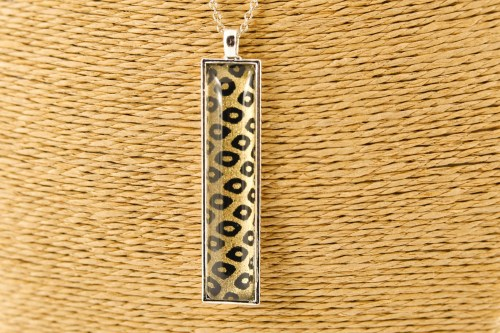 black-diamond-rectangle-pendant-silver
