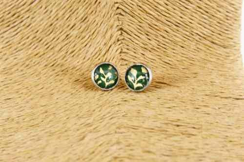 silver-morris-green-leaf-earrings