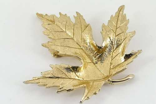 avon-leaf-brooch