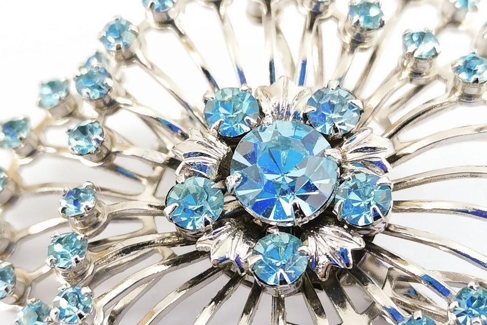 bright-blue-brooch