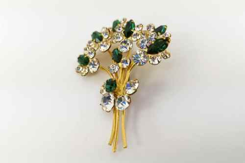 green-diamante-brooch
