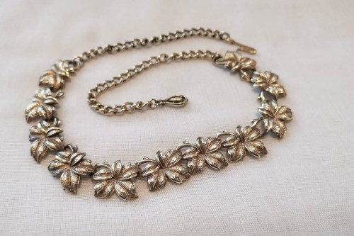 jewelcraft-goltone-leaf-necklace