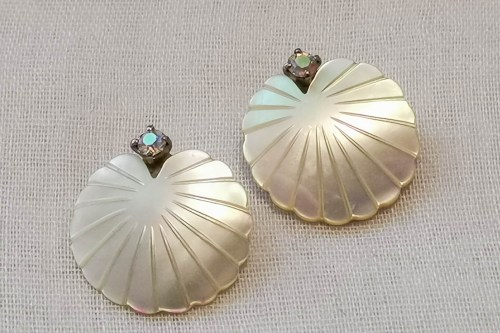 mother-of-pearl-shell-earrings