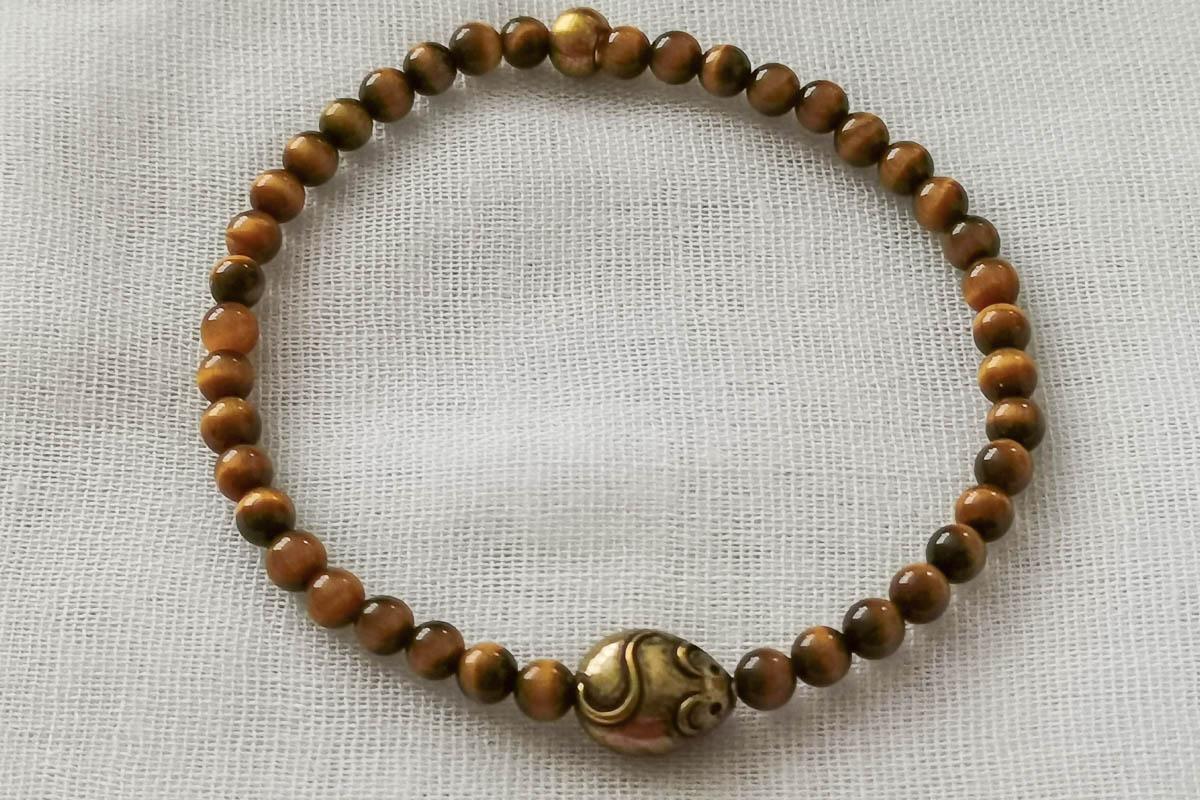 tigers-eye-bracelet