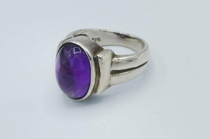 amethyst-silver-ring