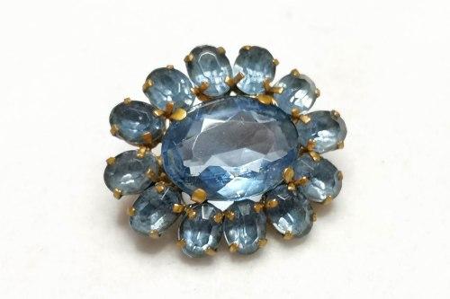 blue-crystal-brooch-
