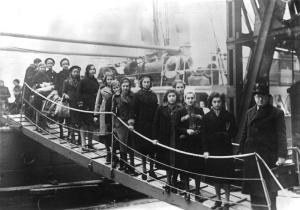 Jewish children arriving in London in 1939