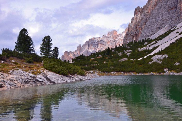 le cime dolomitiche che contornano il lago lagazuoi