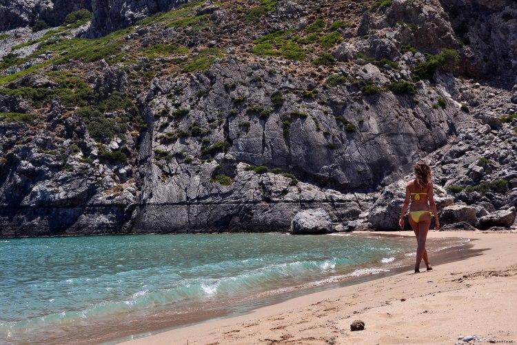 8 spiagge imperdibili sull'isola di Rodi: valentina a passeggio per tsambika