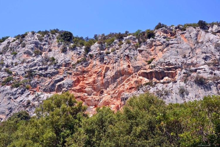 cala goloritzè itinerario di trekking: pareti rocciose baccu goloritzè