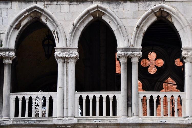 palazzo ducale di venezia con musement: le finestre delle logge