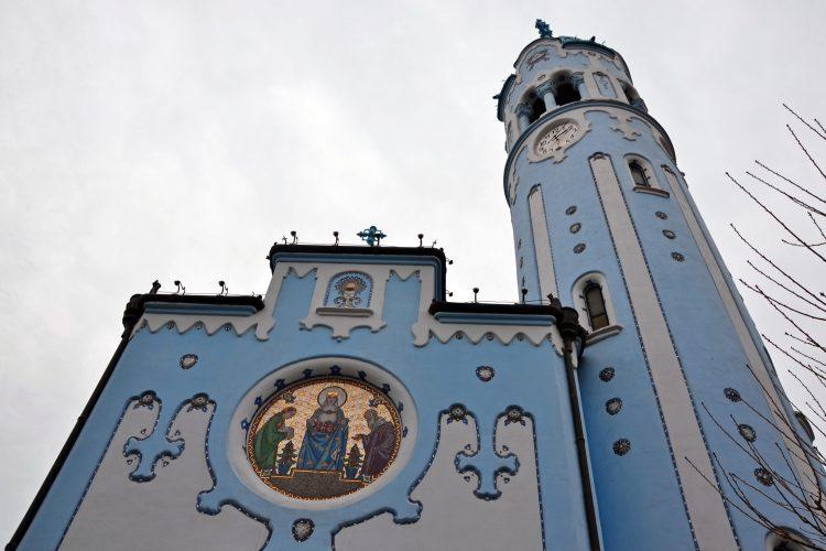particolari e mosaici della chiesa blu di bratislava