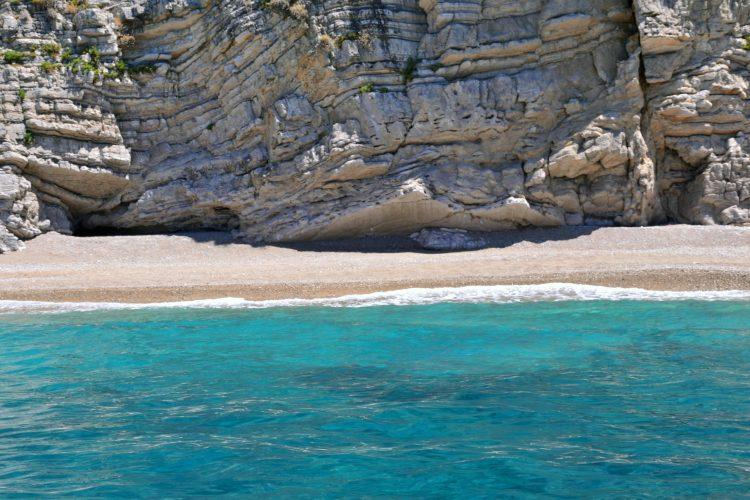 spiagge imperdibili sull'isola di corfù: la spiaggia meravigliosa e selvaggia