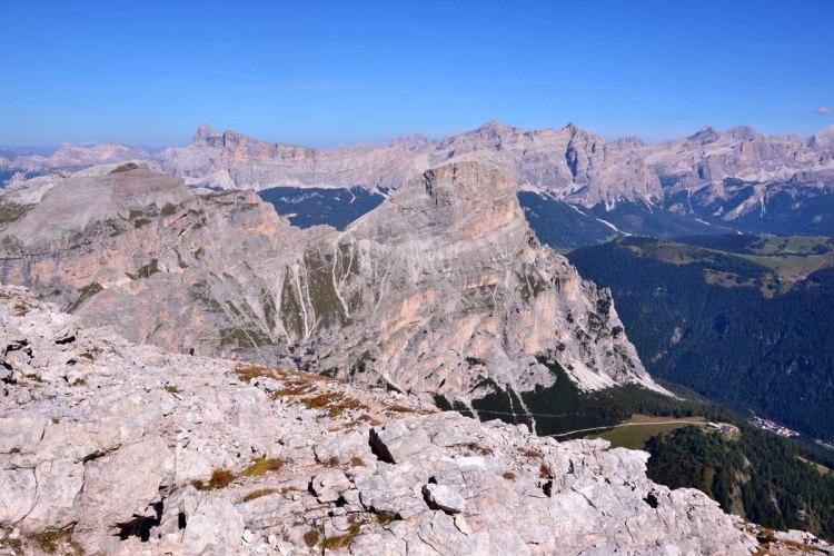 cima del sassongher vista dall'alto del Sas Ciampac
