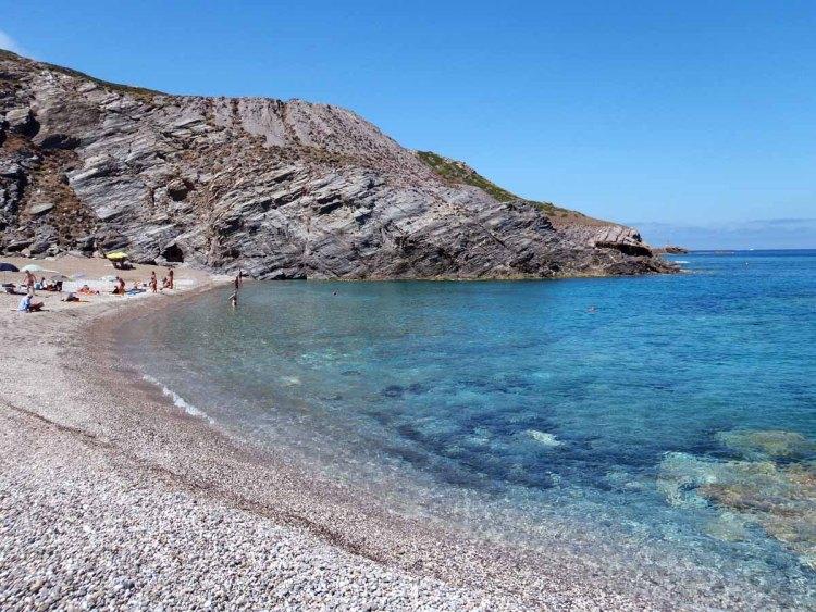 luoghi imperdibili in sardegna: la spiaggia dell'argentiera