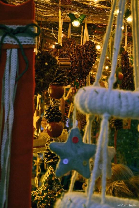 decorazioni natalizie artigianali ai mercatini di bolzano