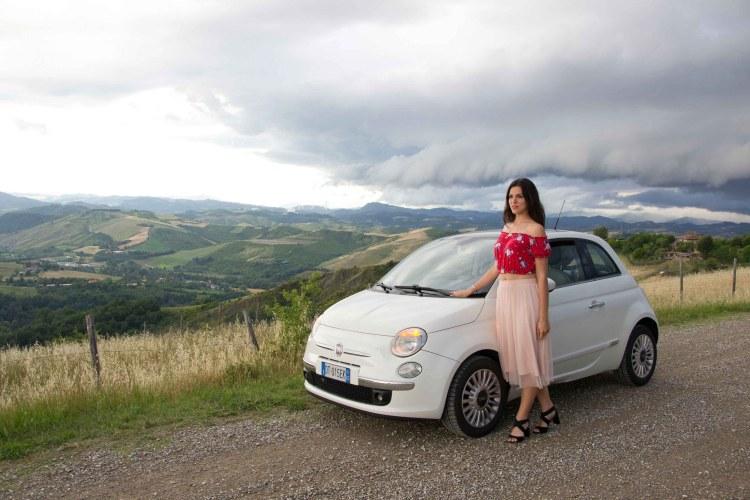 playlist di musica on the road: valentina e la sua vecchia 500 bianca