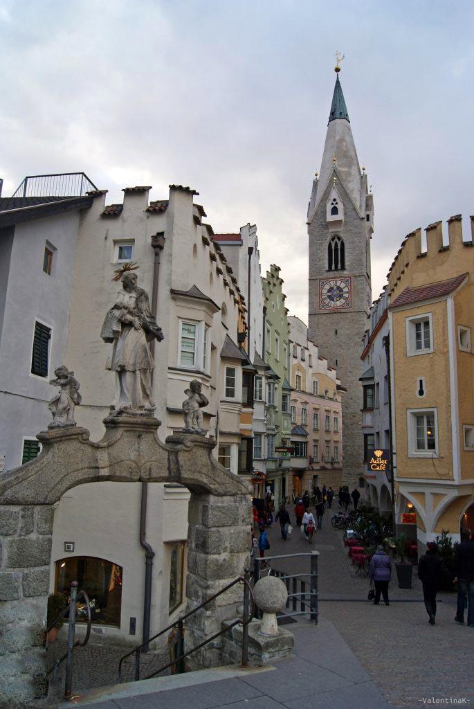 da Bressanone all'Abbazia di Novacella a piedi: il ponte aquila e la torre bianca