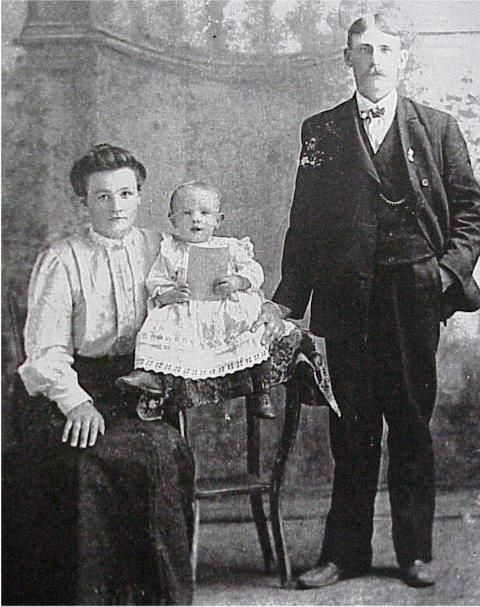 John Sernoski and wife Catherine Brezinski, with baby Aloysius (Alec)