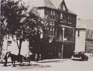 Zoom of Beresford Hotel on Lake Street photo circa 1930. Bennie Afelskie Collection.