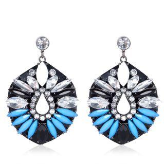 River Island €17.50 - Blue Gemstone Drop Earrings http://eu.riverisland.com/women/jewellery/earrings/Blue-gem-stone-cocktail-earrings-650455