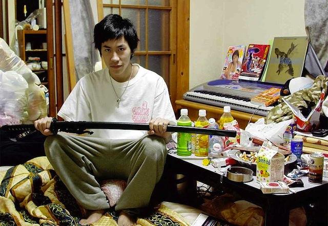 800px-Hikikomori__Hiasuki_2004