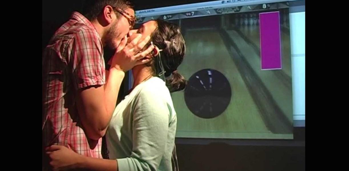 kiss_controller_3