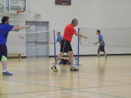 9-october-2016-players-from-kilmac-badminton-club-recently-took-part-in-the-ucc-charity-tournament-05
