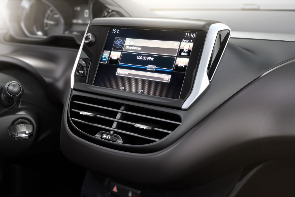 PEUGEOT 2008  CENTRAL MULTIMEDIA TACTIL