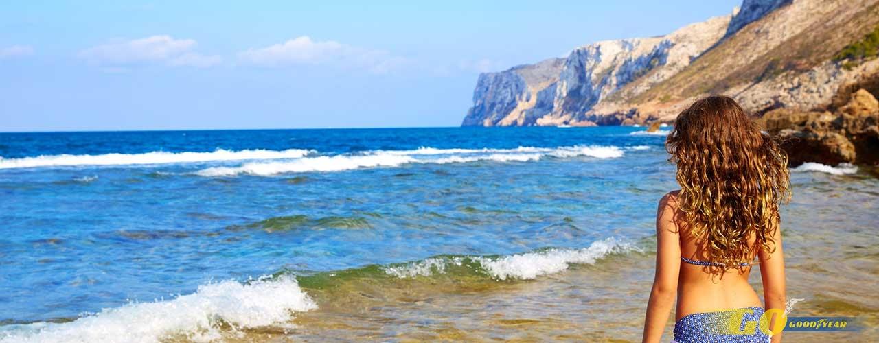 Niña playa Alicante