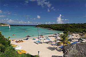 "The Verandah, Antigua W.I. Collectible Postcard ANU4662,size 153mm * 102mm ( 6"" x 4"")"