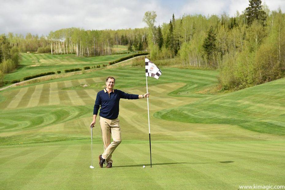 Playing golf at Fairmont Le Manoir Richelieu Golf Club