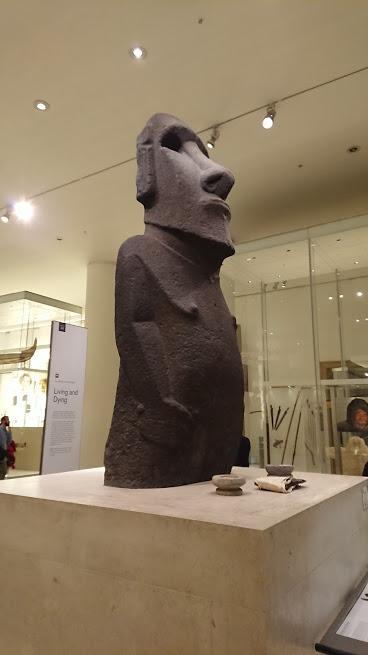 大英博物館 モアイ像