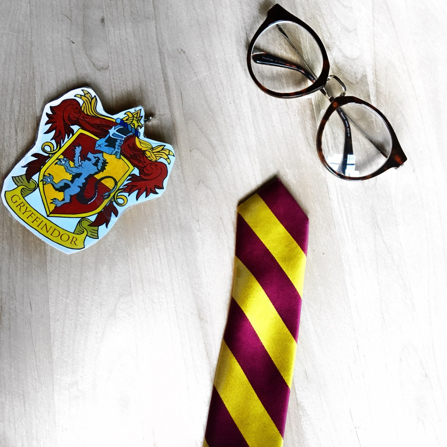 Glam Gryffindor Easy Halloween Costume