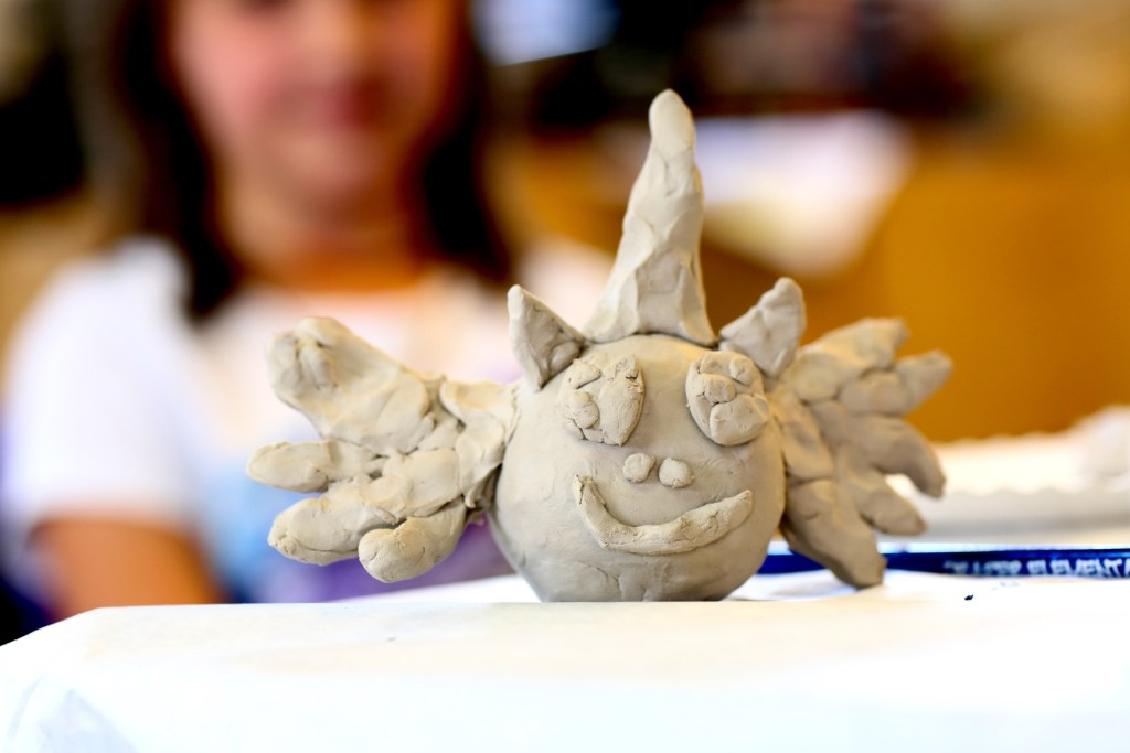 build-and-play-clay-for-kids