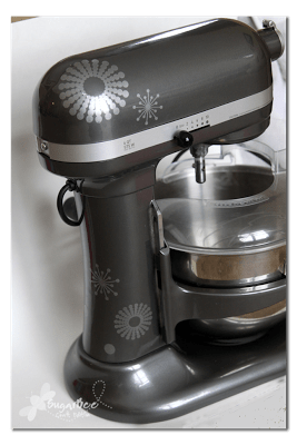 10+ Awesome Kitchen Aid Mixer Ideas | www.kimberdawnco.com