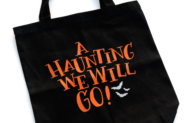 10+ Easy Halloween Projects for your Silhouette & Cricut | www.kimberdawnco.com