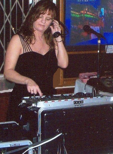 me DJ New Years Eve - 2003 to 2004 at Peak n Peek Resort