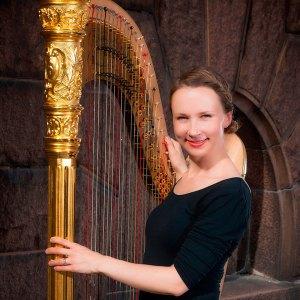 Harpisten Päivi Severeide