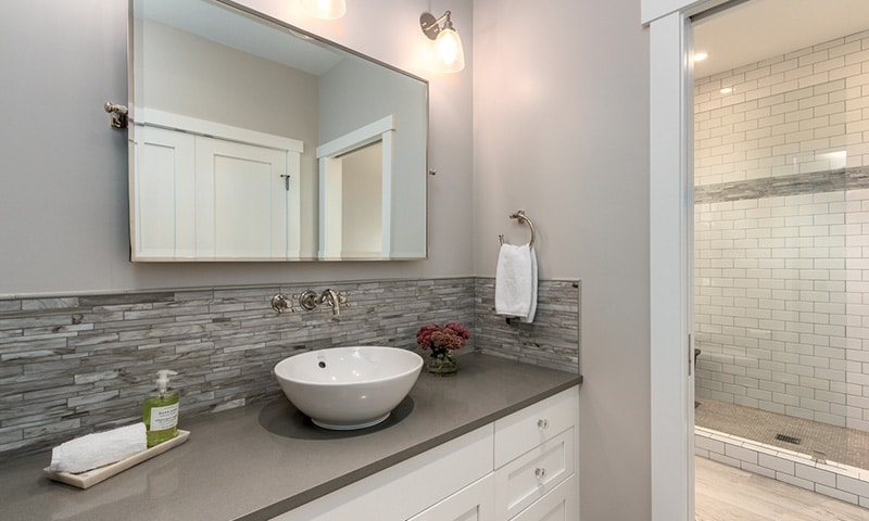 Master bath, Hansen Road