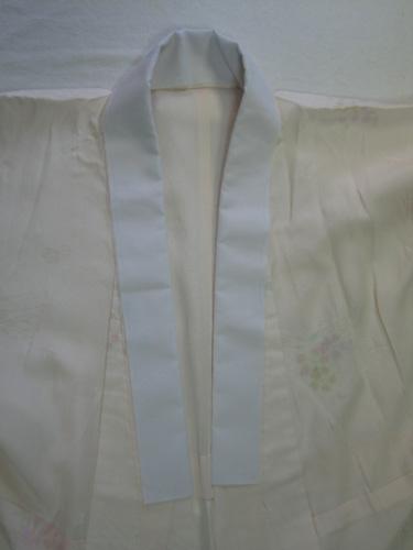 上の長襦袢の衿に芯をつけた
