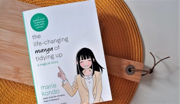 Marie Kondo, Yuko Uramoto, The life-changing manga of tidying up (Konmari)