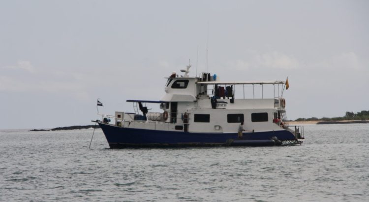 Boot King of the Seas bij de Galapagos eilanden